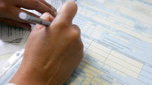 Больничный лист для неработающего пенсионера оплата