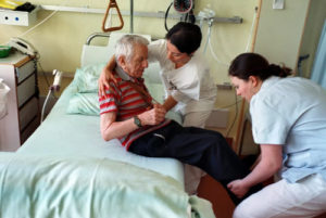 Сколько дней держат в больнице после инсульта