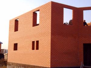 Сколько этажей можно строить из кирпича