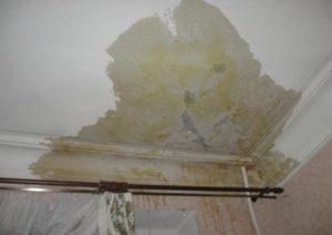 Сколько воды чтобы промочить потолок соседям
